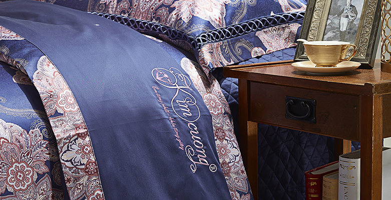 Bộ chăn drap phủ Luxury gấm lụa LXG 7101P